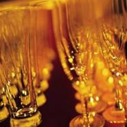 Sporočilo za javnost: Eno od osmih smrti v Evropi v starosti od 15 do 64 let povzroči alkohol